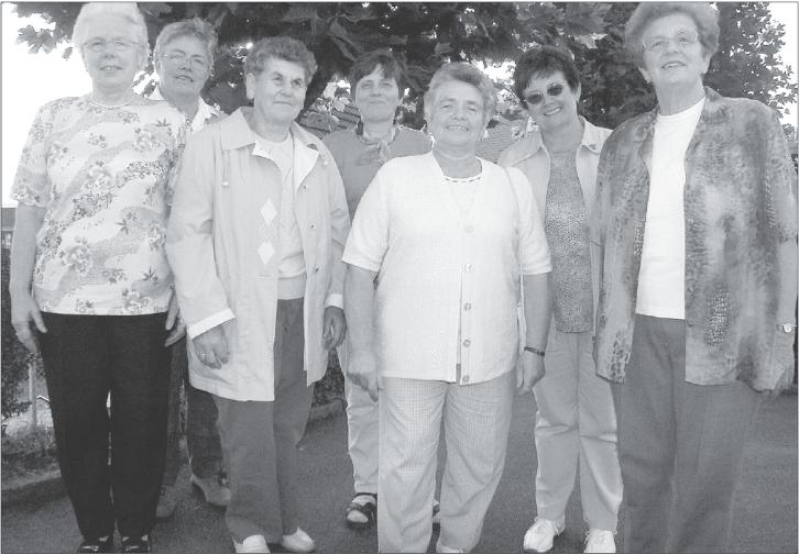 Traditionsbewusst und immer hilfsbereit für ihre Heimatgemeinde zeigen sich die insgesamt zwölf Holzheimer Landfrauen.