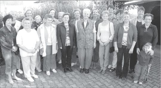Stark vertreten präsentierte sich der Holzheimer Frauenchor beim Besuch von RLZ