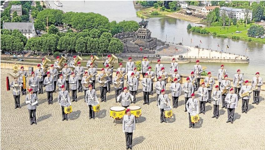 Das Heeresmusikkorps Koblenz steht für erstklassige Musik: In Diez spielen die Profi-Instrumentalisten für die Ruandahilfe Holzheim auf.