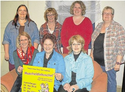 Der neue Vorstand von Fairy Tale Holzheim – vorn in der Mitte sitzt die alte und neue Vorsitzende Monika Birlenbach.Foto: Wilma Rücker