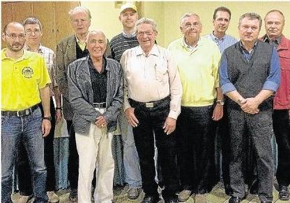 Die Vorstandsmitglieder (von links) : Thomas Hauschild, Jörg Dönges, Wolfgang Graf von Spee, Prof. Dr. Jürgen Distler, Ralf Jung-König, Hanns Ohl, Hans-Joachim Tischer, Jürgen Ruppelt, Franz Kovarik, Klaus Roth.